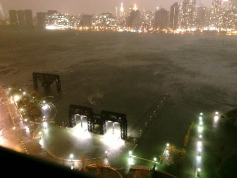 water-taking-over-long-island-city-in-queens1